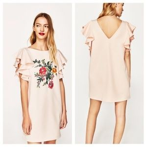 ZARA mini floral dress with flutter sleeves-blush